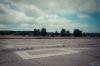 Östra banänden med AU-11-värn i bakgrunden. Foto Hans J, juli 2012.