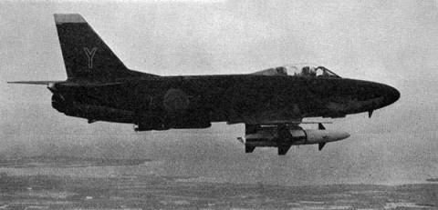 A 32A ur F 7 med RB 04. Bild ur Flygsoldatens bok 1964.