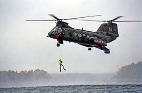 Sjöräddning med helikopter